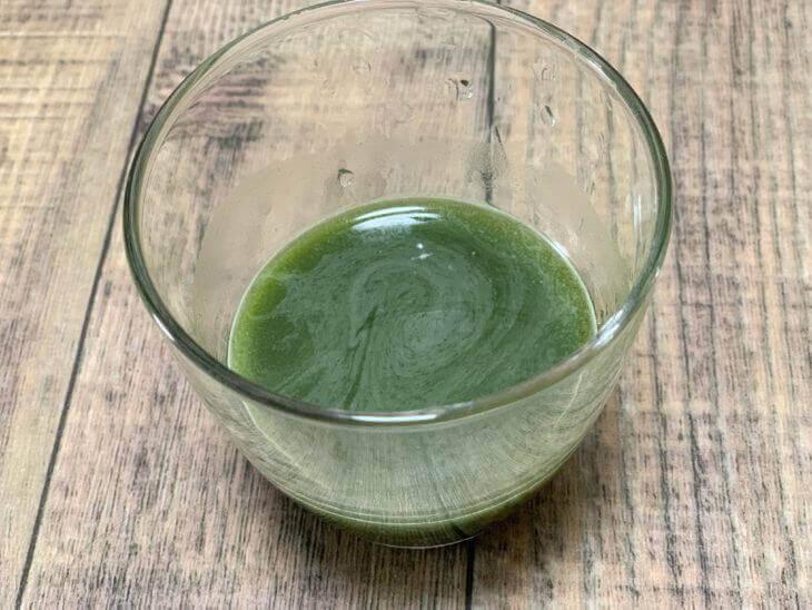 濃い藍の青汁