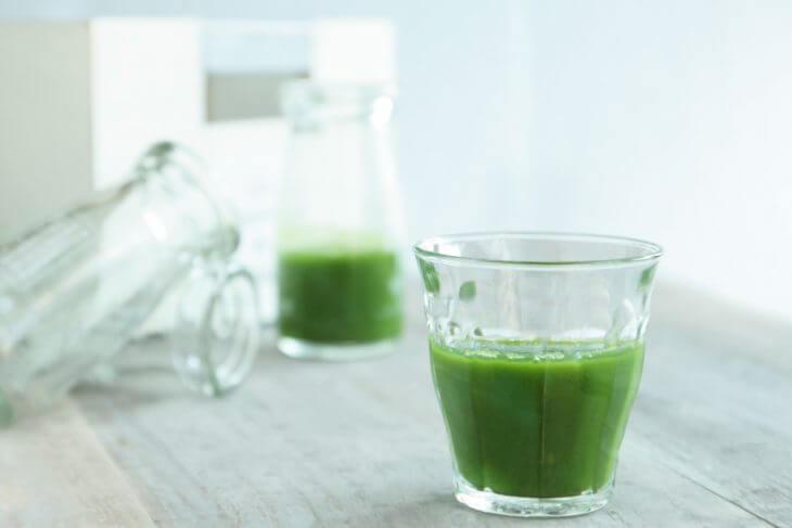 青汁の主原料に含まれる栄養素と期待できる効果効能
