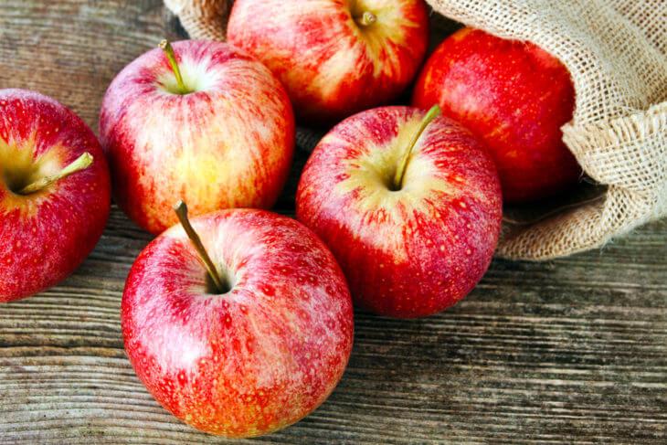 りんごは一日何個食べるのがおすすめ?食べ過ぎると?