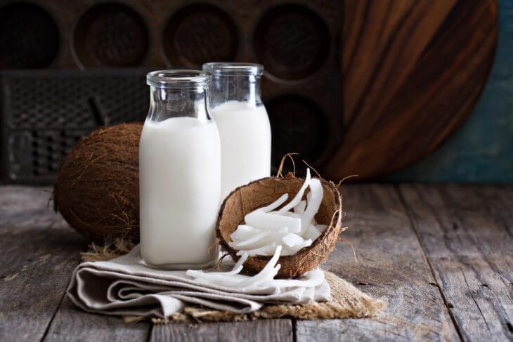 ココナッツミルクとは?ウォーターやオイルとの違い