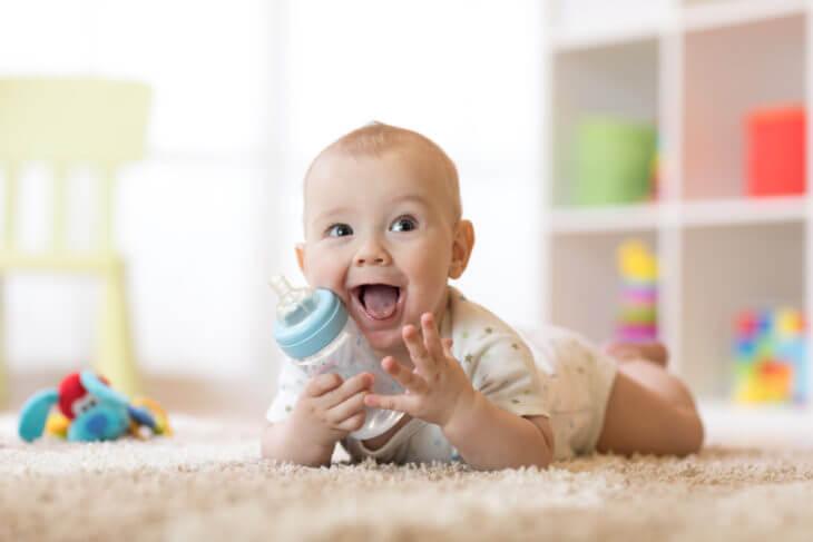 赤ちゃんにいつから飲ませても大丈夫?