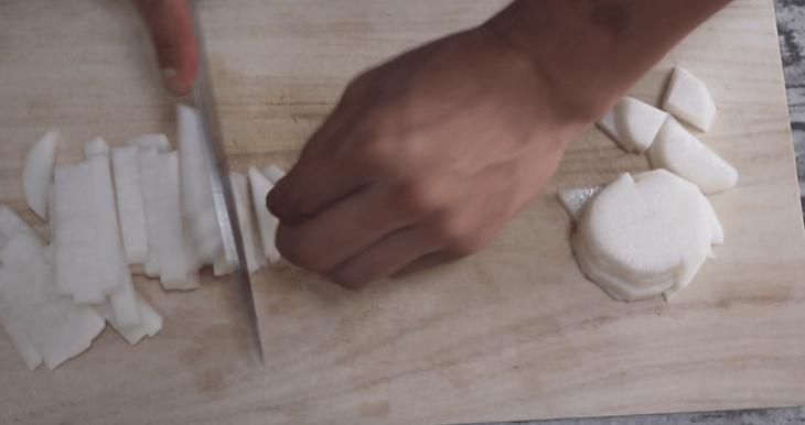 大根を使いやすい切り方にする
